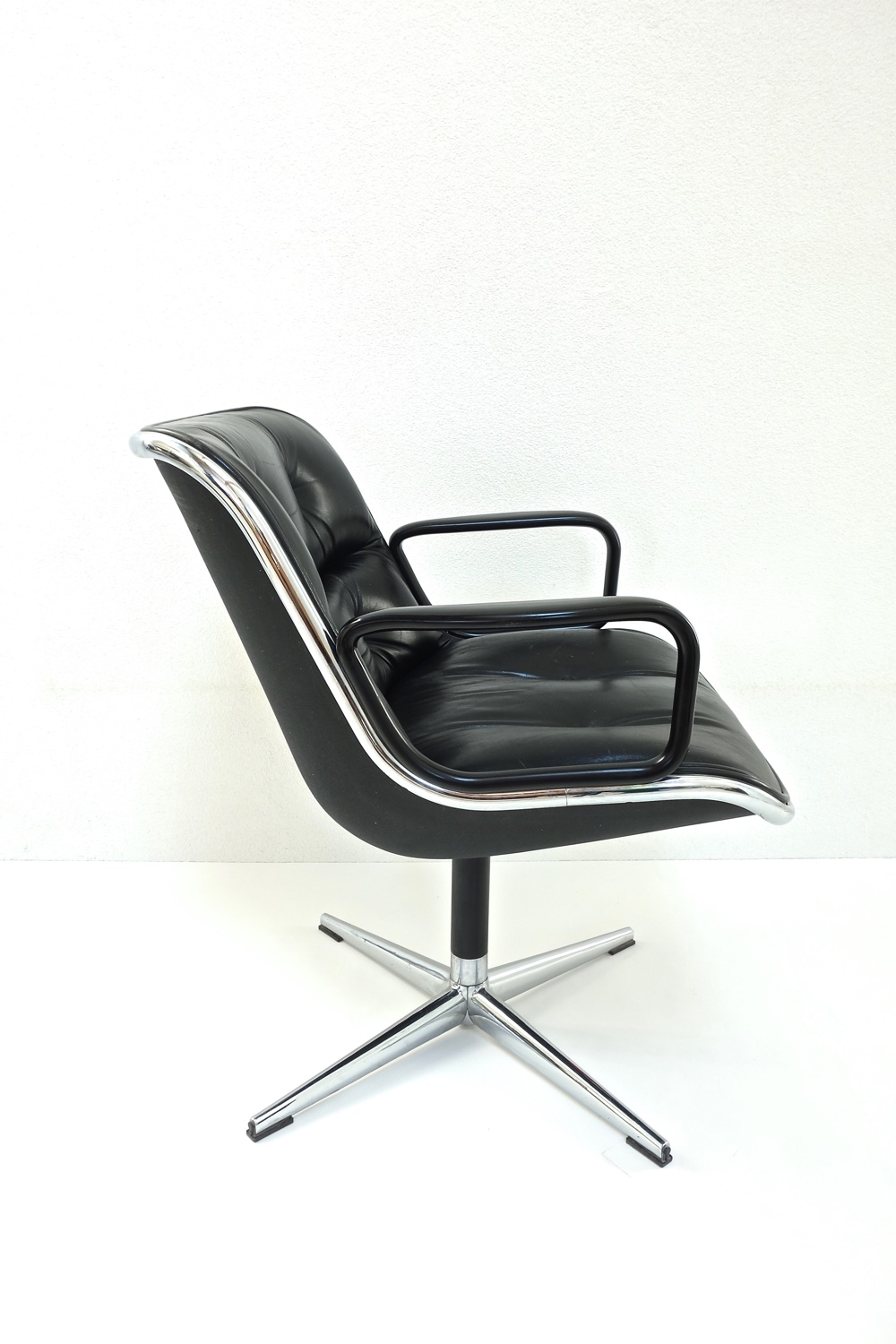 fauteuil knoll charles pollock 1960 vendu warehouse furniture. Black Bedroom Furniture Sets. Home Design Ideas