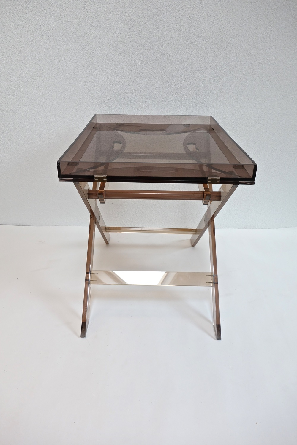 table de service en plexiglas 1970 warehouse furniture. Black Bedroom Furniture Sets. Home Design Ideas