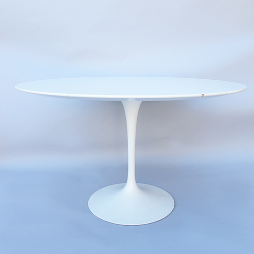 Dining table  Saarinen  Knoll  1970