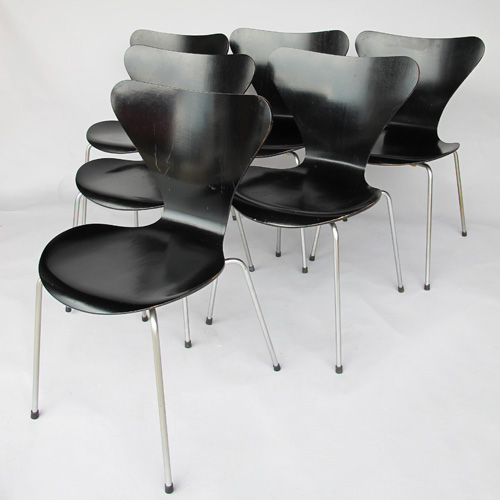 (Français) 3017 chairs Arne Jacobsen  1950
