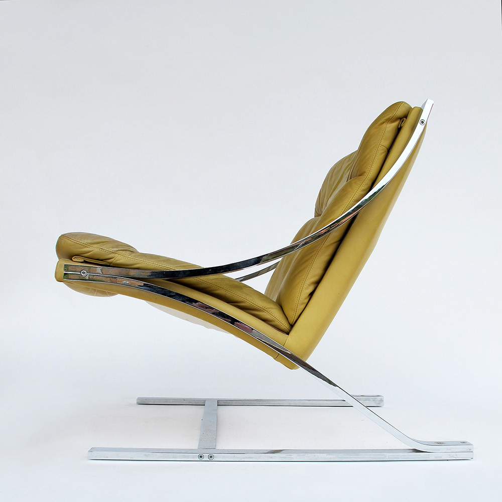 Pair of easy chairs Paul Tuttle 1970