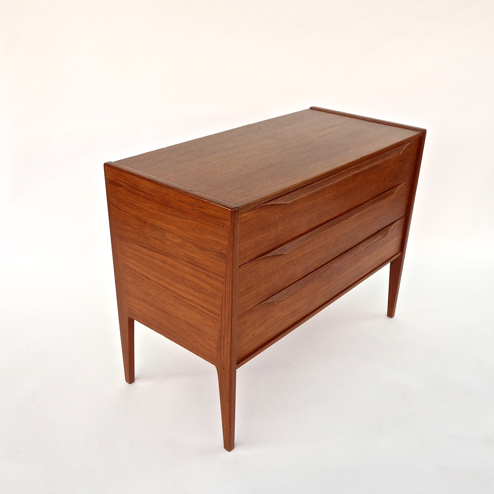 Danish chest  Aksel Kjersgaard  1960