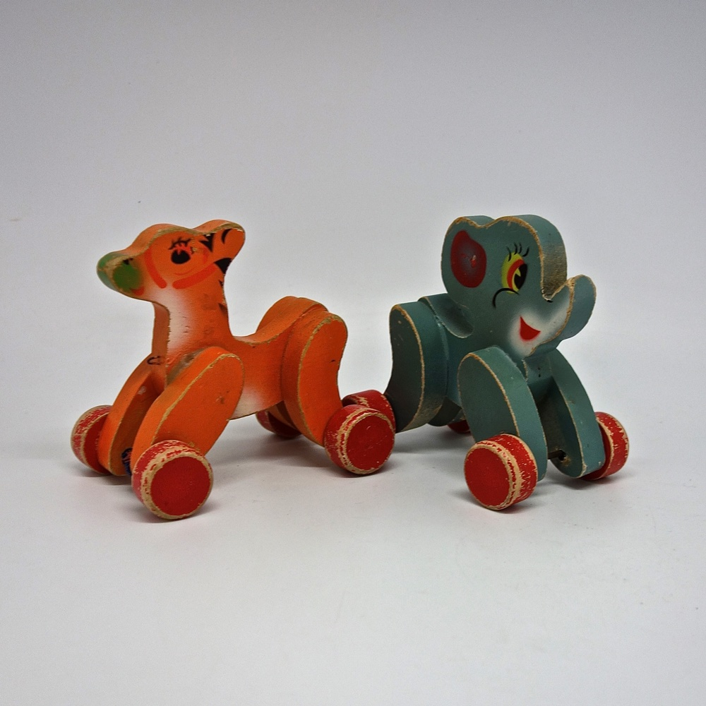 Small toys painted 1950