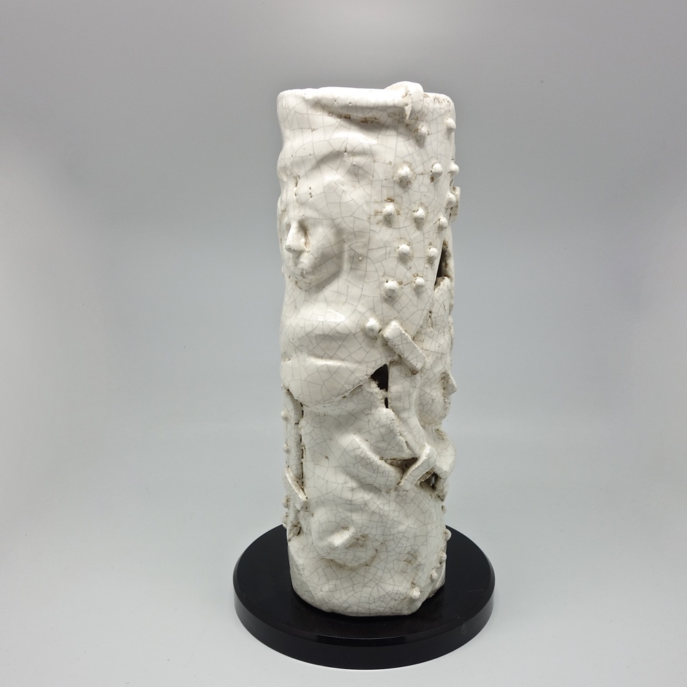 Ceramic sculpture by José Maria Moran Berrutti.