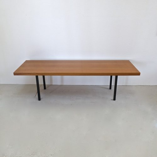 grande table basse en noyer swiss design 1960