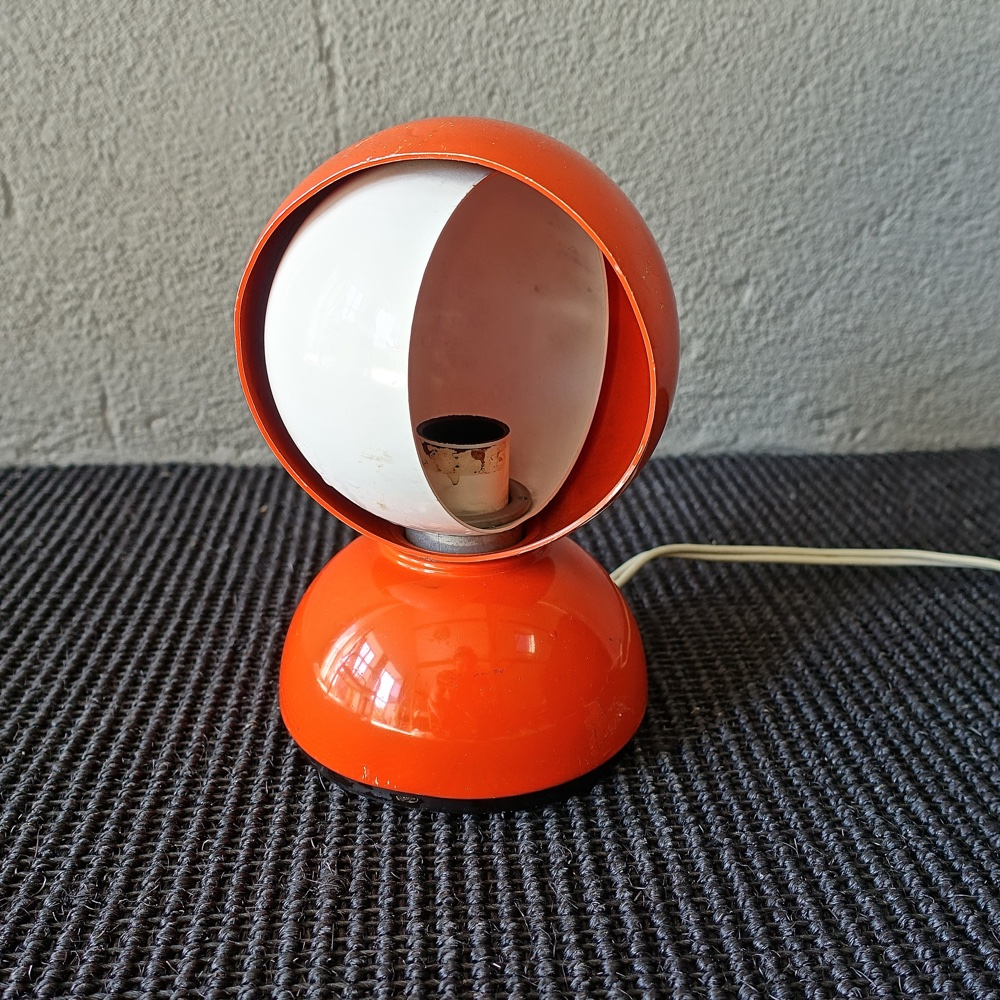 "table lamp ""eclipse""  Vico Magistretti Artemide 1966"