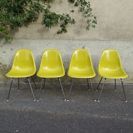 set of 4 yellow chairs Charles and Ray Eames 1970