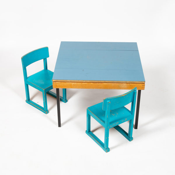 Children's table and chairs Horgen Glarus circa 1960